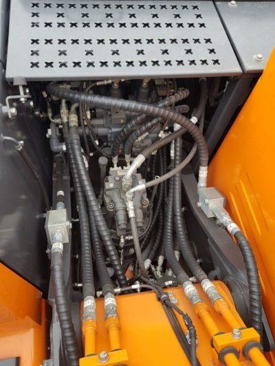 Bơm quay toa máy lốp DX140W